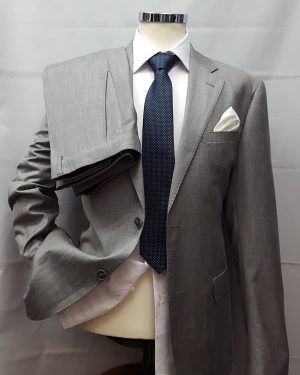 abito da uomo in grisaglia